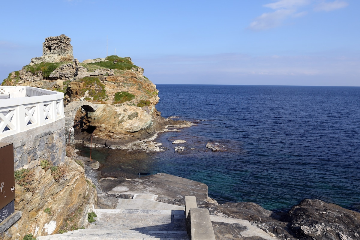 Stunning andros september the top andros vacation home for Pret pour terrain seul