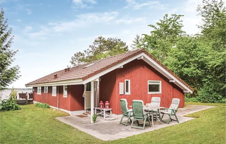 Holiday cottage with 2 bedrooms on 80m² in Skibby