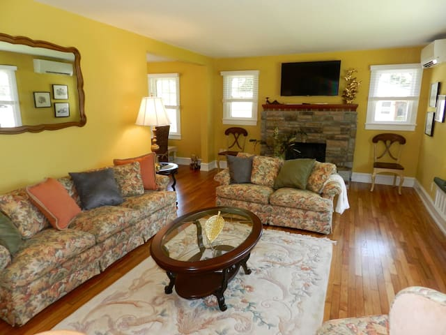 Wild Rose Manor - Cape May Single Family Home