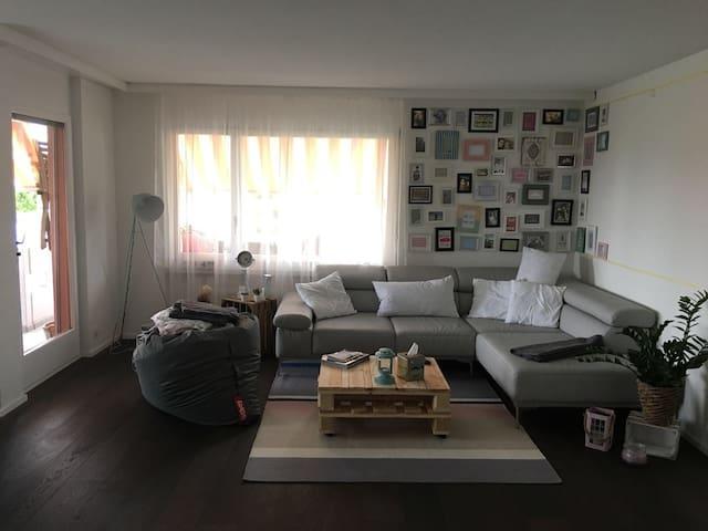 Tolles Zimmer in der Nähe von Bern - Kehrsatz - Condo