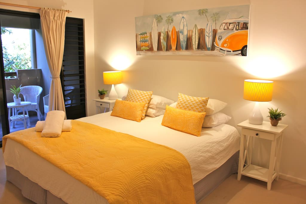 The yellow room; a very comfortable king size bed, which leads on to verandah. Ceiling fan.