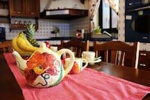 Ampia e luminosa cucina attrezzata per le colazioni e tanto altro.