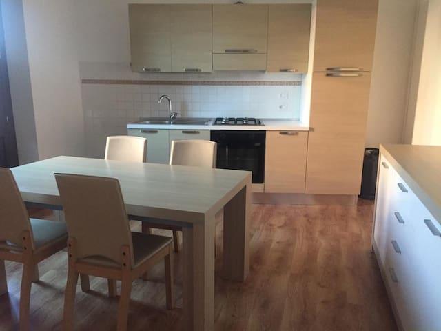 Appartamento con terrazza nel Paese dei Murales