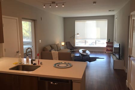 Kasa | Santa Clara | Family Ready 2BD/2BA North Apartment