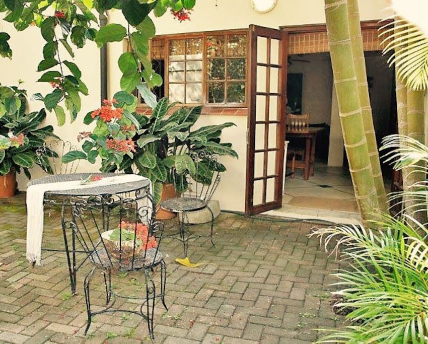Private courtyard with basic Braai facilities