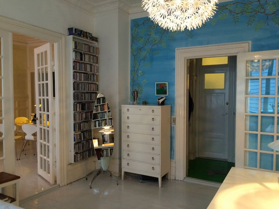 Library/master bedroom