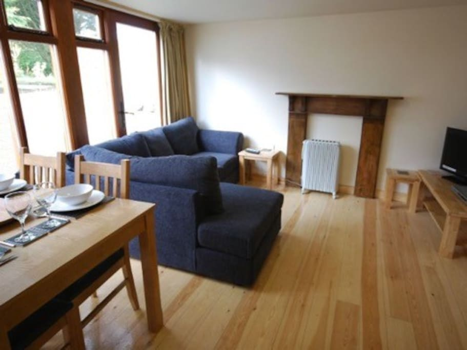 Lounge area, with freeview TV and DVD.