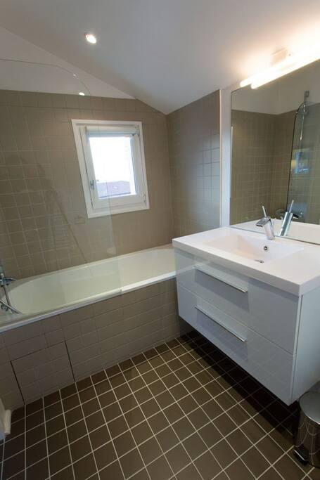 salle de bain étage avec wc