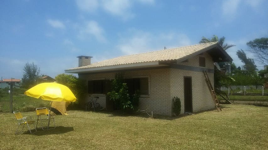 EXCELLENT CHALET ON THE BEACH *DUNA ITAPEVA/TORRES