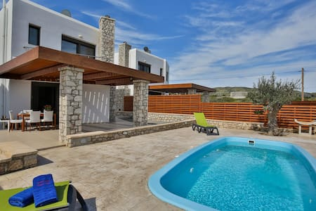 Rhodes Beach Villa with private beach access - 로즈(Rhodes)