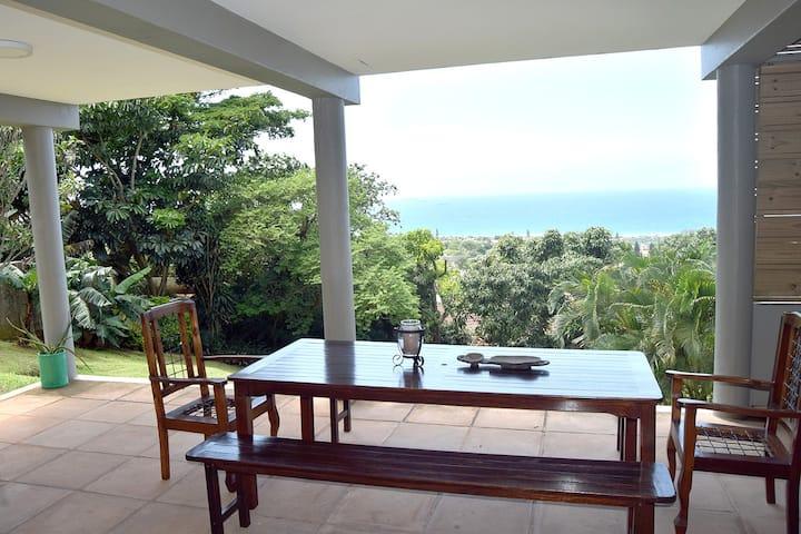 Hilltop on Sea, La Lucia