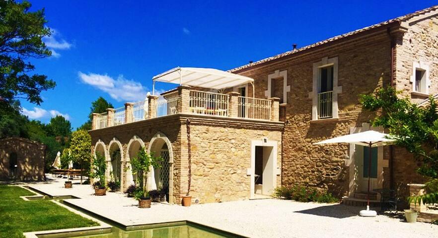 Casale Santi, villa di charme for 16 guest