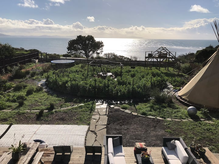 Where the Sidewalk Ends- Oceanfront Compound & Spa