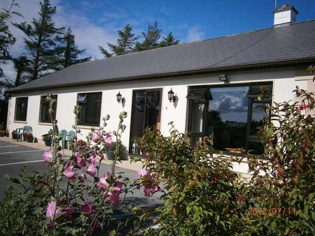 3 Star approved B+B Townhouse - Lisdoonvarna - Bed & Breakfast