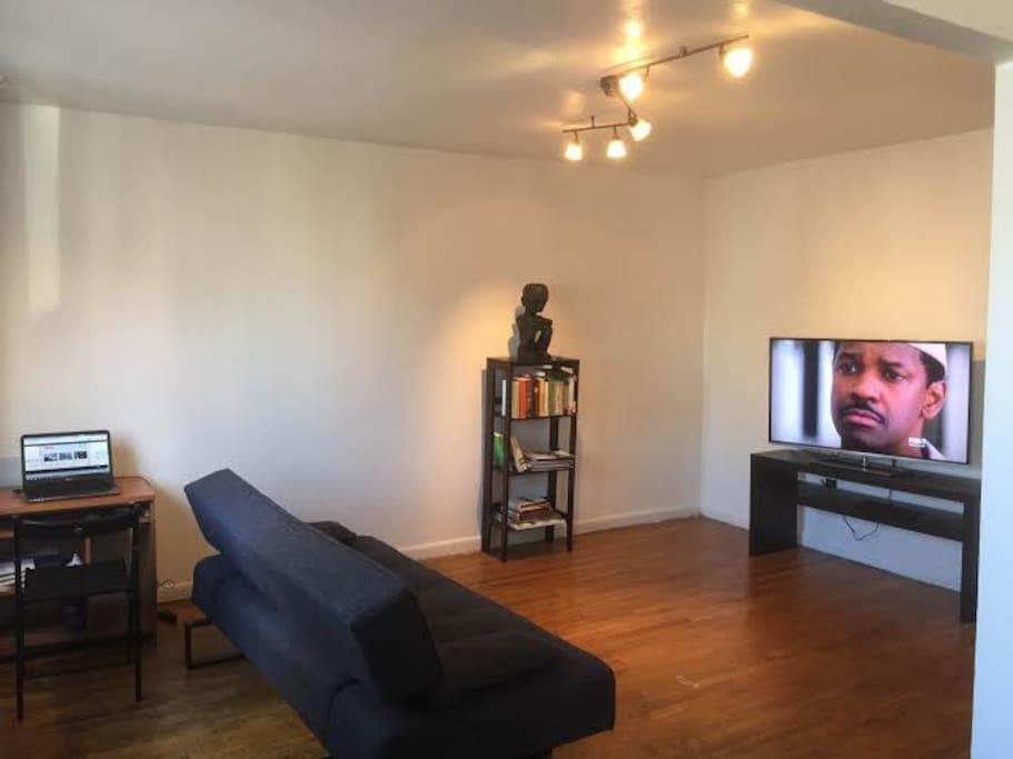 Living Room: Seating, TV