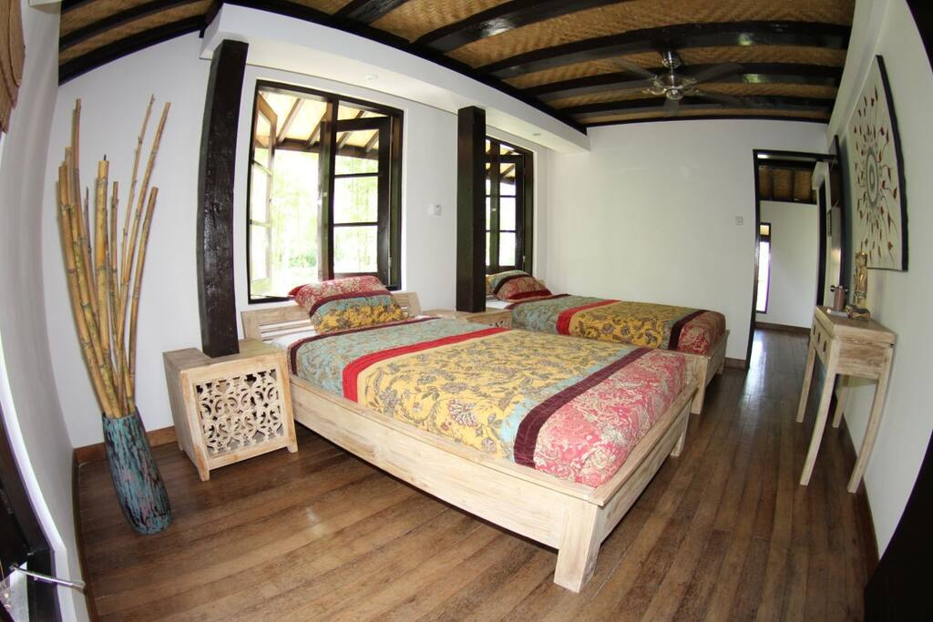 Guest Bedroom with airco and 2 big single beds