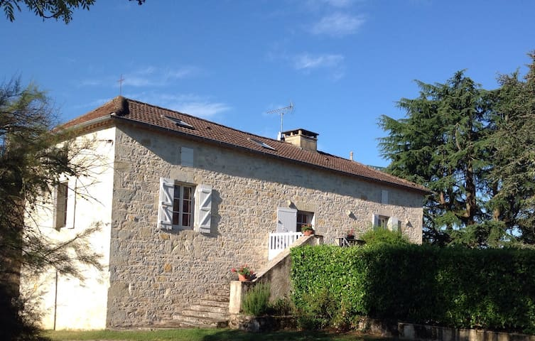 a typical Quercy house - Saint-Denis-Catus