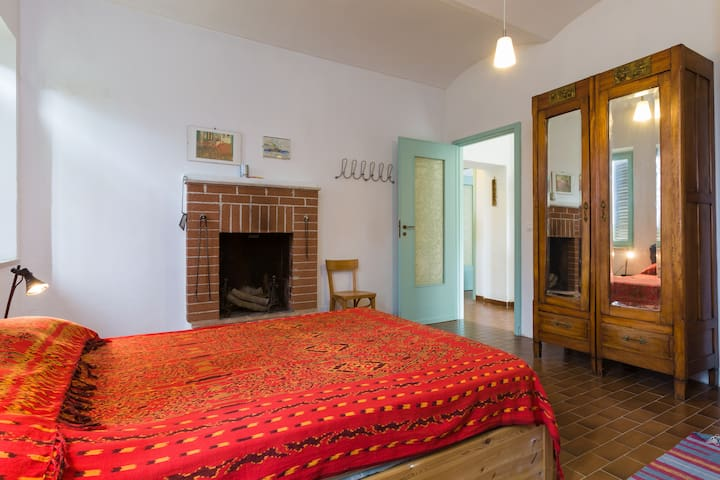 CASA NEL BOSCO Bamboo Room - Serravalle - House