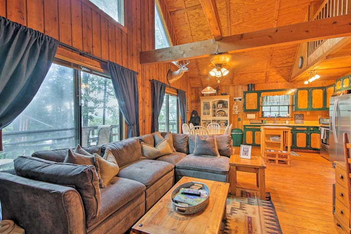 Enchanting Tiger Cabin w/ Deck & Forest/Mtn Views!