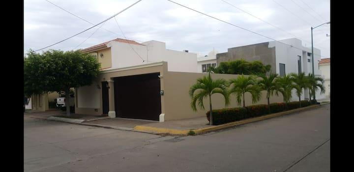 Casa Céntrica enPrivada, Acuario, Malecón, G.plaza