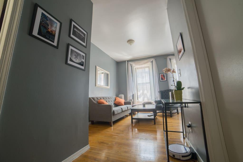 Foyer/Living Room