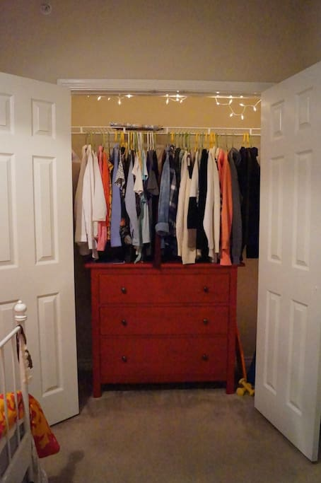 2 spacious closets for you to hang your clothes