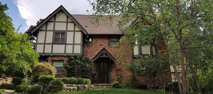 Ann Arbor Hermitage Tudor; Walk to the Big House!
