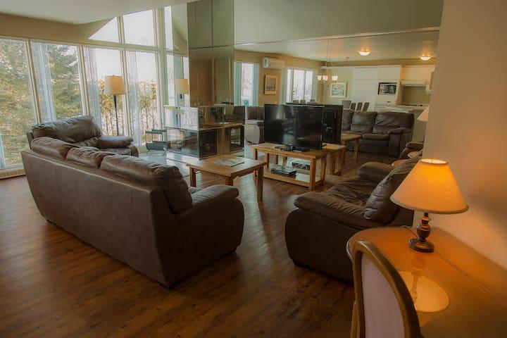 Villa 4 bedroom  Mont-Ste-Anne with air con. - Saint-Ferréol-les-Neiges - Villa