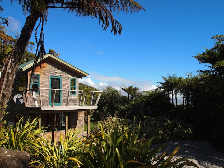 Cabbage Tree Cottage at Gentle Annie