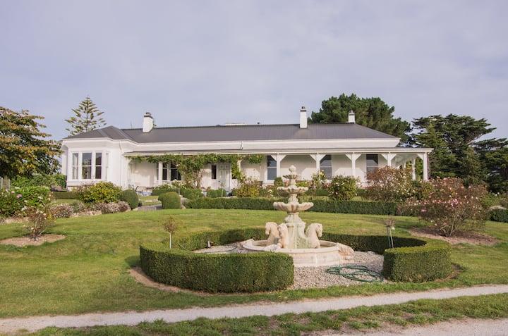 Centrewood Historic Homestead
