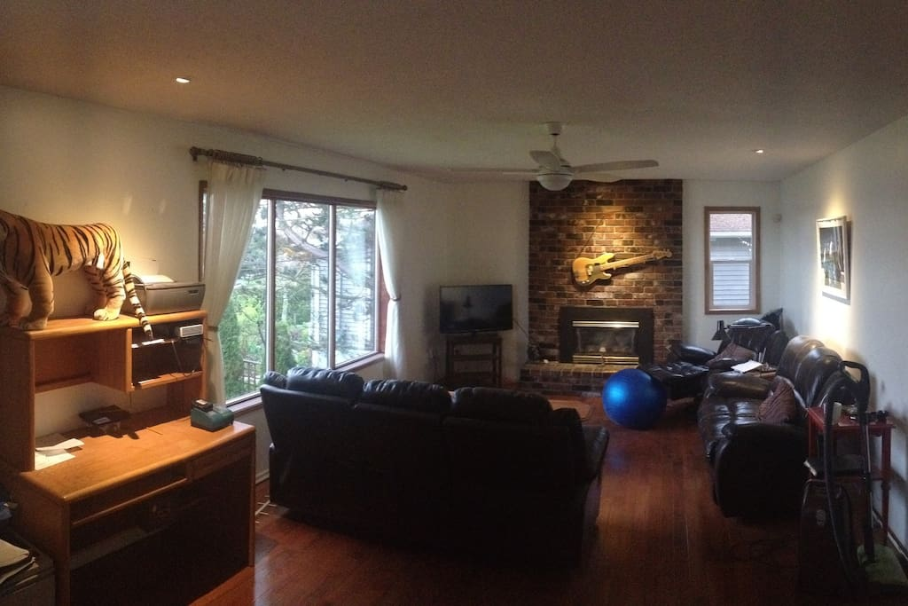 Spacious lovely living room with plenty of space to relax