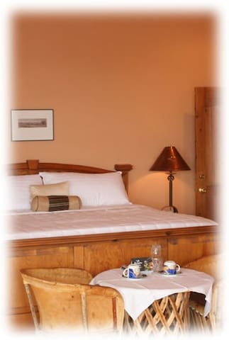 Sky City Suite in To'hajiillee, NM - Laguna - Bed & Breakfast