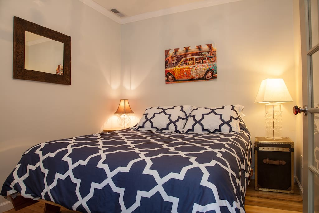 Queen bed with 2 pillows and 2 sham pillows. Bedding is always freshly laundered before your stay.