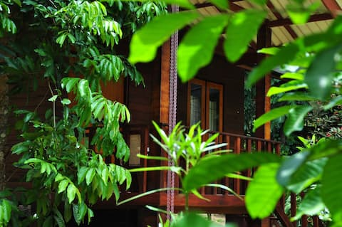 Green View Home Stay  & Spa (Mahogany Chalet)