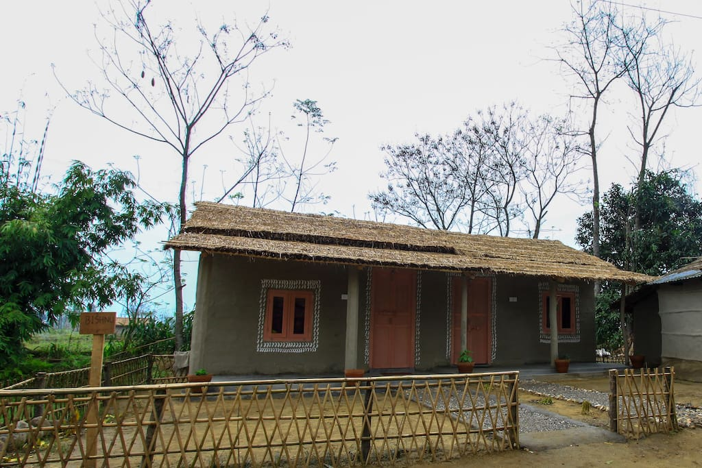 Huts designed in Tharu style, with all the comforts