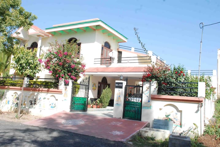 Charming Home-stay in Udaipur - Udaipur - Bed & Breakfast