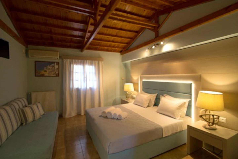 Bedroom, Υπνοδωμάτιο 2