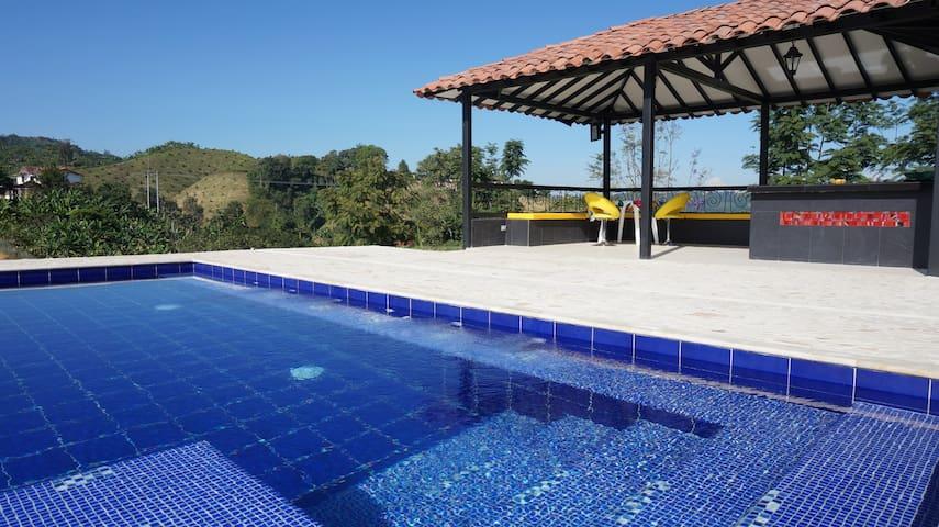 Chiquita Garden Farm - PALESTINA - Vila