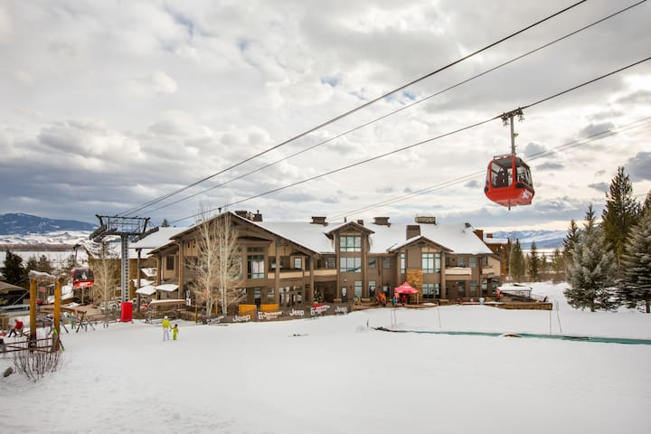 RMR: Luxury on the Slopes + Free Activities!