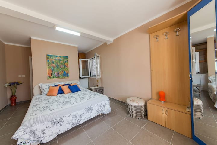 P&N Resort > Lovely Studio for 2 with Pool access