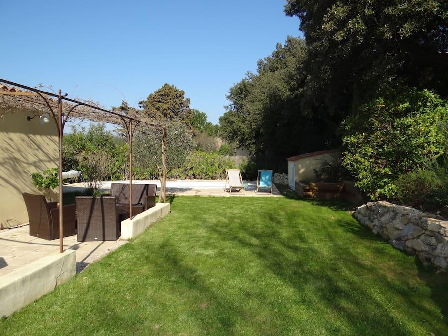Villa avec piscine en provence maisons louer lambesc for Villa a louer en provence avec piscine