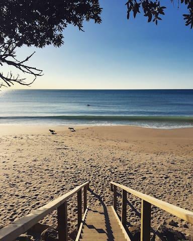 Beautiful accommodation at Wainui Beach BR 1