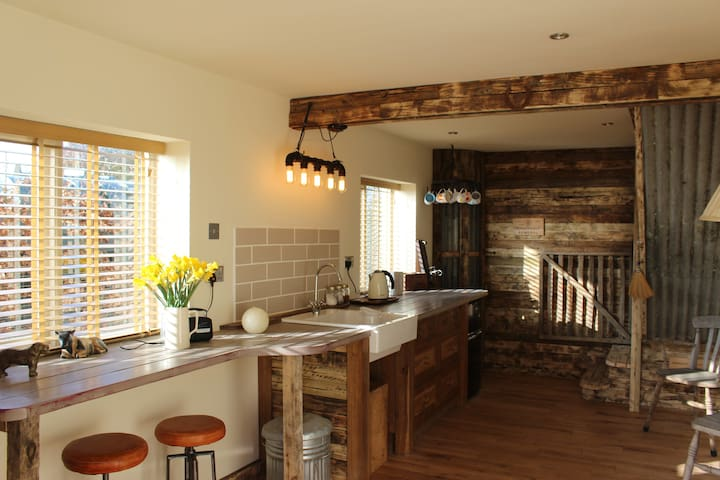 The Old Log Shed - Naunton - Loft