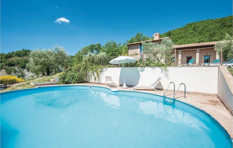 Holiday cottage with 3 bedrooms on 110m² in Assisi PG