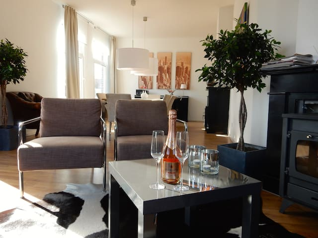 Luxury apartment near beach