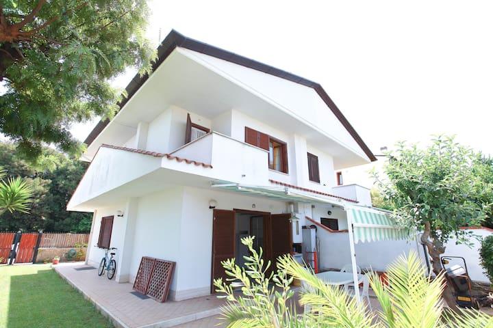 ENJOY SABAUDIA' S SCENIC BEACHES - Sabaudia - Villa