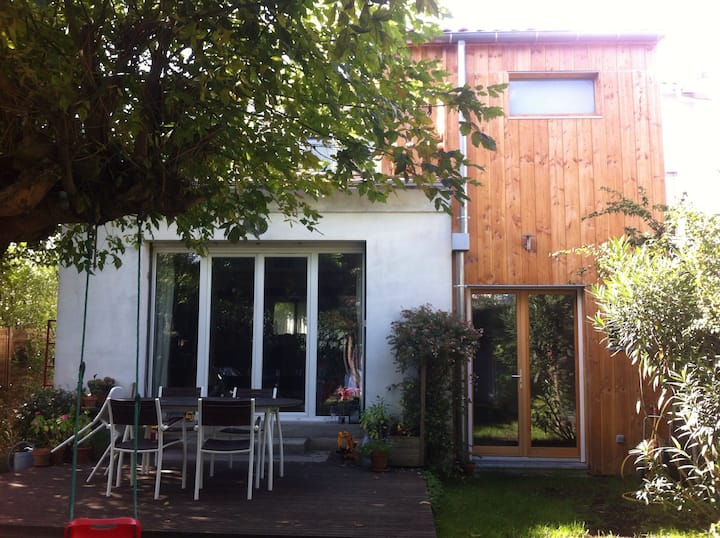 Lovely room with own entrance and garden view