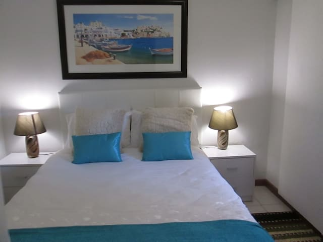 HOLIDAY APARTMENT: SELF-CATERING: Villa Armaan - Cape Town - Byt