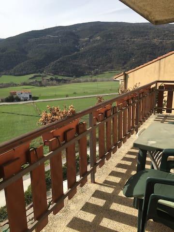 Vivienda rural de 200m2 - El Pla de Sant Tirs - Casa