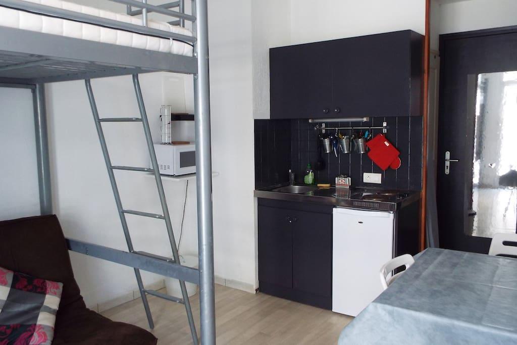 Charmant studio avec kitchenette intégré